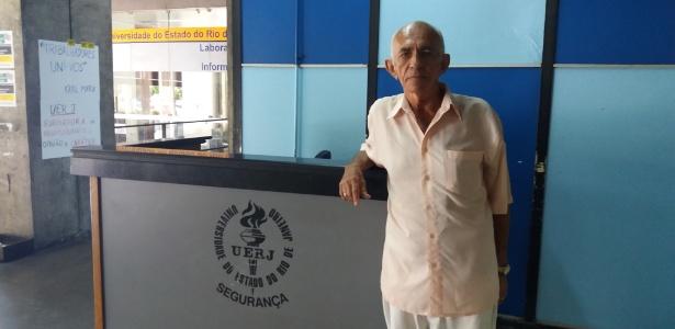 Jurandir Lopes de Oliveira, 81, é funcionário da Uerj há 40 anos e sofre com a crise financeira do Estado e da Universidade