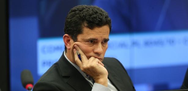 30.mar.2017 - O juiz federal Sérgio Moro condenou, em primeira instância, o ex-presidente Lula a nove anos e seis meses de prisão por corrupção e lavagem de dinheiro