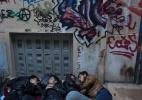 Meninos refugiados apelam à prostituição para sobreviver na Grécia - Tyler Hicks/The New York Times