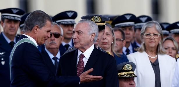 Presidente Michel Temer participa, ao lado do ministro da Defesa, General Silva e Luna, de cerimônia comemorativa do Dia do Exército