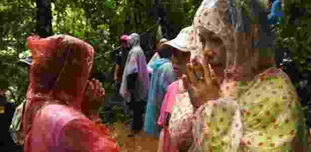 Parentes de meninos presos na caverna tailandesa fizeram vigília - AFP - AFP