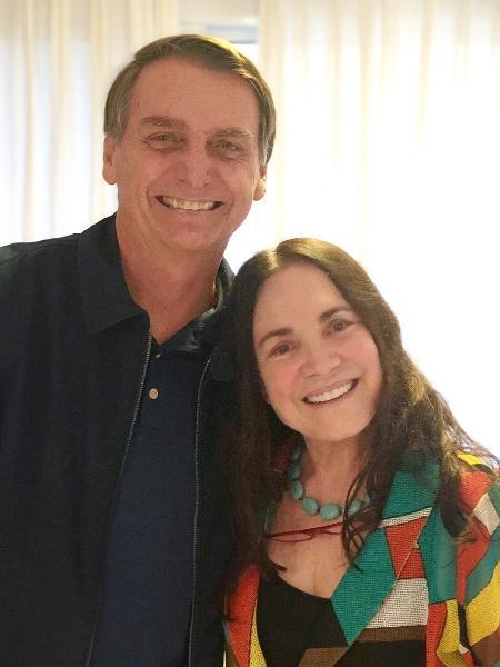 A atriz Regina Duarte visitou o candidato Jair Bolsonaro (PSL) em sua casa no Rio de Janeiro - Reprodução/Twitter
