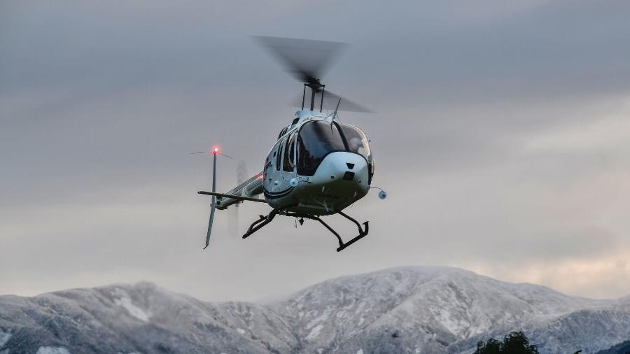 Helicóptero Bell 505 dotado de esquis - Divulgação/Bell Helicopters