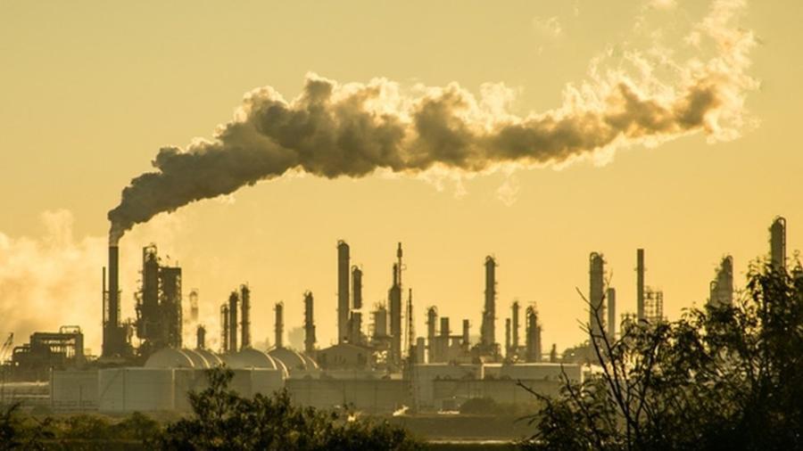 20 empresas produtoras de petróleo, gás natural e carvão foram responsáveis por 35% das emissões totais de combustíveis fósseis e cimento - Getty Images