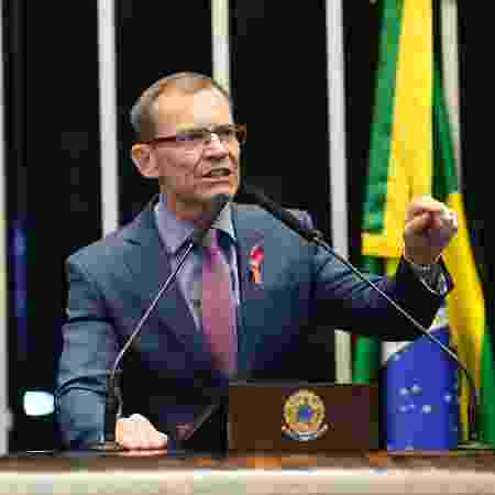 Senador Fabiano Contarato em discurso no Plenário - Roque de Sá/Agência Senado