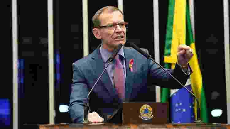 Senador Fabiano Contarato em discurso no Plenário em 2019 - Roque de Sá/Agência Senado