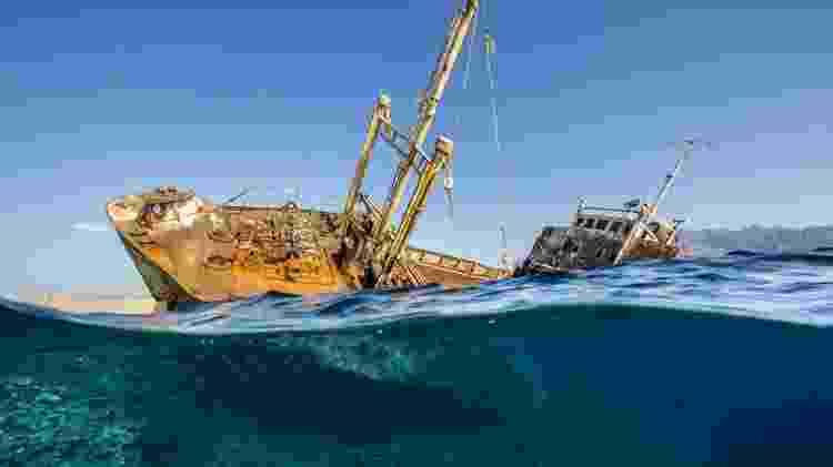 Renee Capozzola venceu a categoria 'Naufrágio' com uma foto do navio Georgios, na Arábia Saudita; o navio encalhou em 1978 e agora serve como um recife artificial - Renee Capozzola - Renee Capozzola
