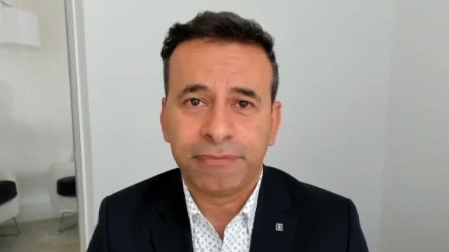 O professor da Universidade Johns Hopkins, o cirurgião Marty Makary, em entrevista à FoxNews - Reprodução