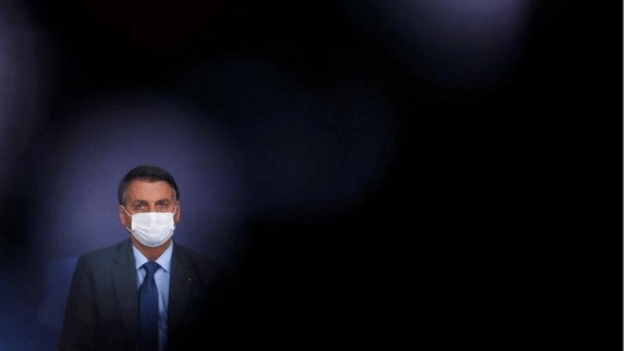 Bolsonaro diz que apresentará provas de fraude nas eleições com urnas eletrônicas em sua live semanal - Reuters