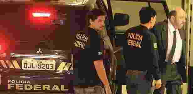 Agentes da PF acompanham o dono da UTC, Ricardo Pessoa; PF revela que teve que utilizar um veículo blindado para transportar o delator para uma audiência com o juiz Sergio Moro - Jorge Araújo - 14.jul.2015/Folhapress