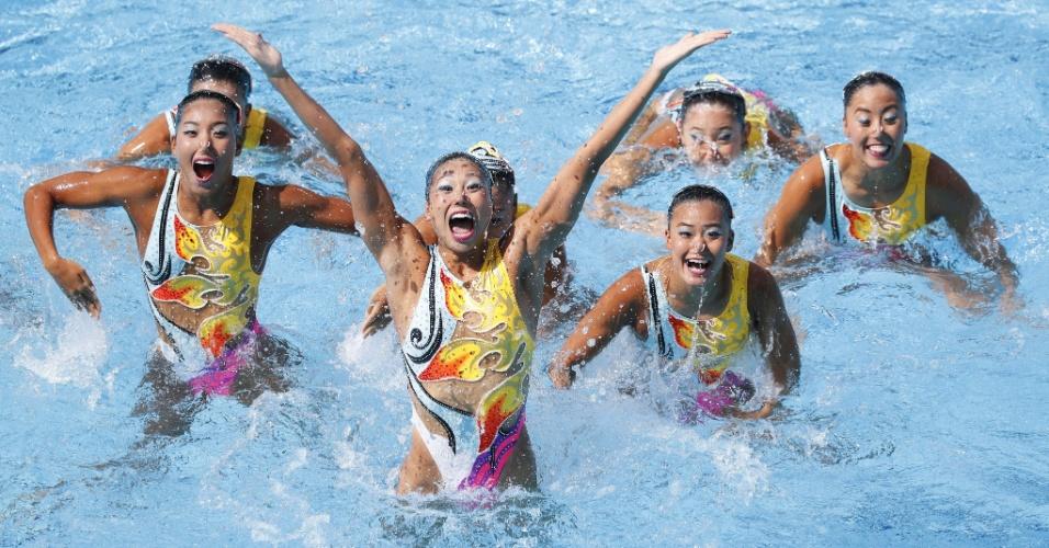 19.ago.2016 - Nadadoras japonesas realizam coreografia durante competição do nado sincronizado nos Jogos Olímpicos de 2016, no Rio de Janeiro