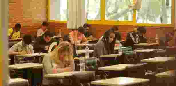 Participantes fazem provas do Enem 2016 na PUC-PR - Lucas Pontes - 6.nov.2016/UOL