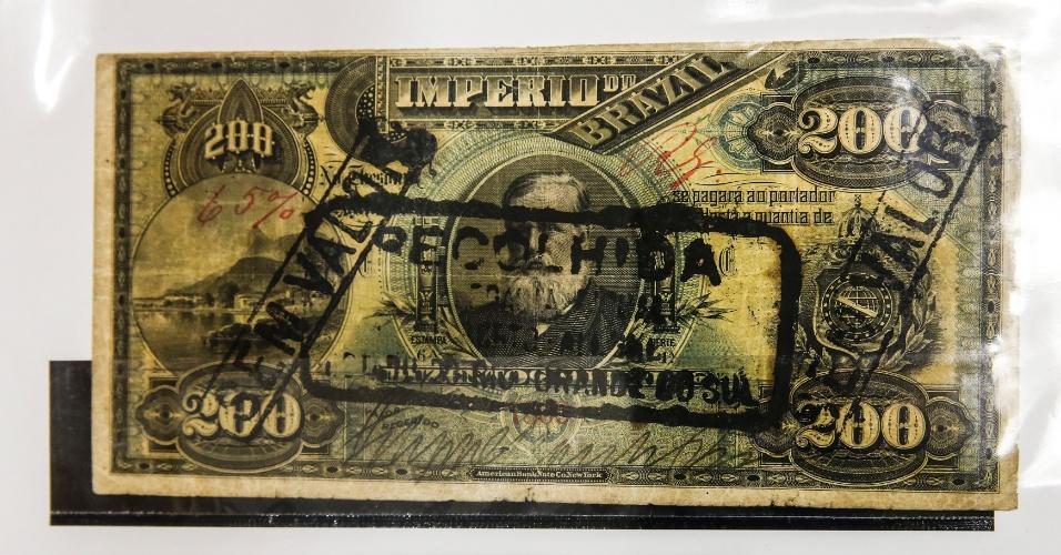 A cédula de 20 mil réis de 1889 fez parte da última série de notas emitidas antes do o Brasil deixar de ser um Império e se tornar uma República. Por sua raridade, a nota é vendida a R$ 20 mil. Ao ser recolhida, a cédula recebeu um carimbo para identificar que não tinha mais valor