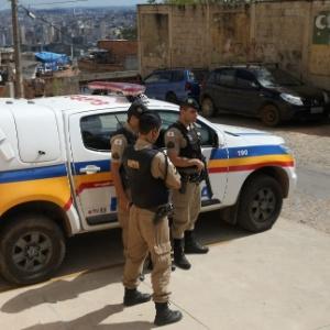 25.ago.2017 - Polícia na favela Aglomerado da Serra, em Belo Horizonte - ALEX DE JESUS/O TEMPO/ESTADÃO CONTEÚDO