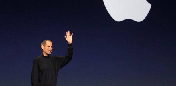 Steve Jobs, fundador da Apple, durante apresentação em 2011
