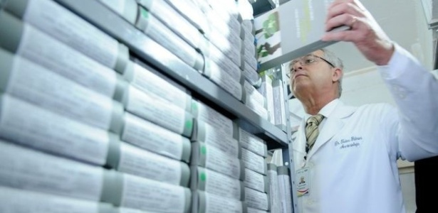 Farmácia Central da Secretaria de Saúde, em Brasília; iniciativa promete controle mais rígido sobre a cadeia de medicamentos, desde fabricantes até hospitais - Pedro Ventura/Agência Brasília