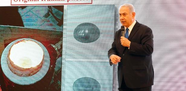 30.abril.2018 - Primeiro-ministro israelense Benjamin Netanyahu dá um discurso sobre o programa nuclear iraniano