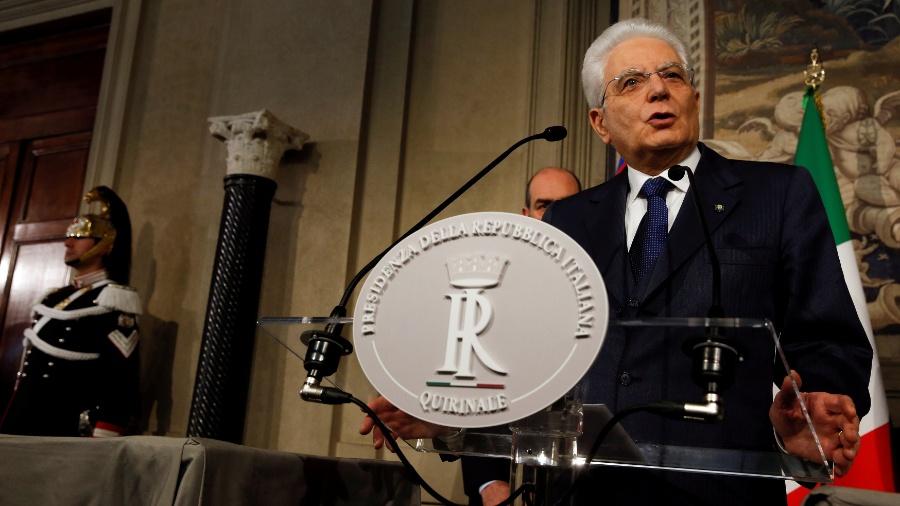 O presidente italiano, Sergio Mattarella, fala com a mídia - Alessandro Bianchi/Reuters