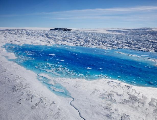Banco quer taxas as emissões de carbono dos países; uma das principais consequências do aquecimento global é o derretimento das calotas polares - LUCAS JACKSON/Reuters