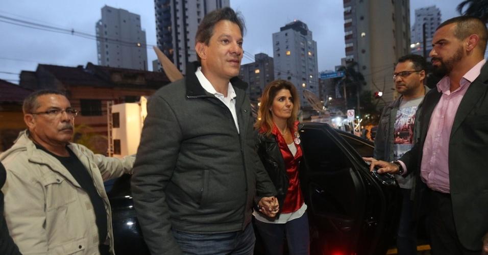Fernando Haddad, candidato à Presidência da República pelo PT, chega ao Hotel Pestana, em São Paulo, onde irá aguardar a apuração dos votos