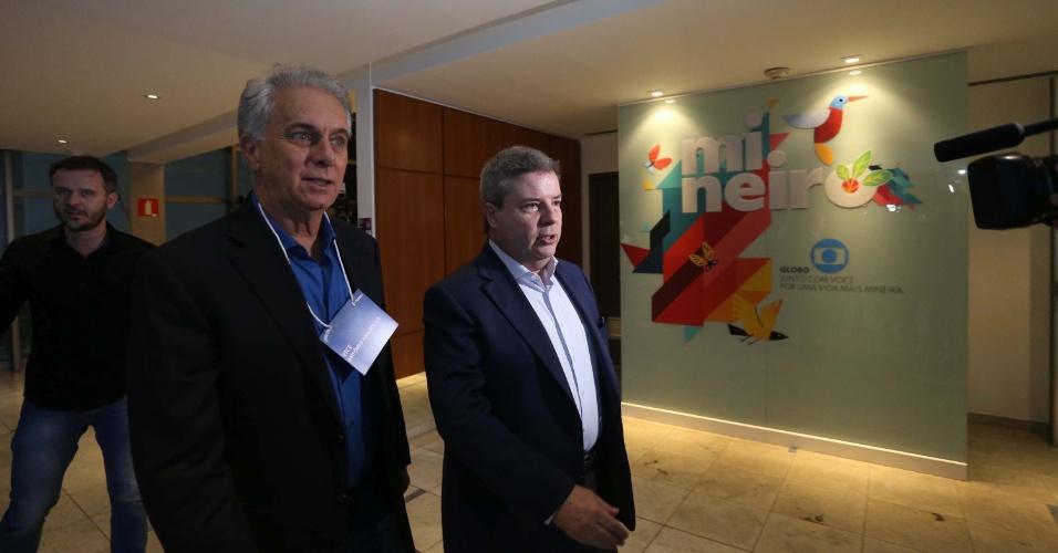 25.out.2018 - Antonio Anastasia antes do Debate entre os candidatos ao governo de Minas Gerais, Romeu Zema (Novo) e Antonio Anastasia (PSDB), na sede da Rede Globo, em Belo Horizonte (MG), nesta quinta-feira (25)