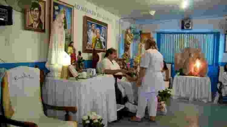 João de Deus em atendimento na Casa de Dom Inácio de Loyola - Divulgação/Casa de Dom Inácio
