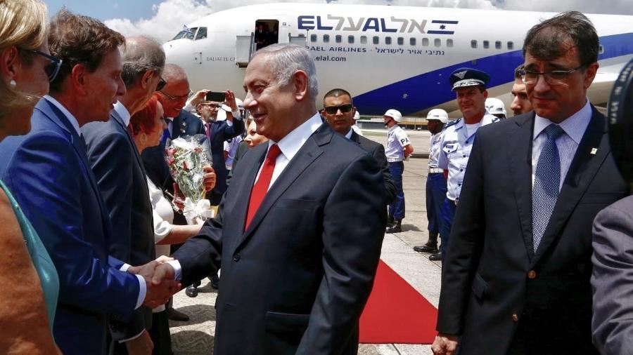 Benjamin Netanyahu chega ao Rio de Janeiro e cumprimenta o prefeito Marcelo Crivella - Divulgação/Prefeitura do Rio