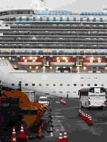 16.fev.2020 - Navio de cruzeiro Diamond Princess, atracado na Baía de Yokohama, no Japão - Behrouz Mehri/AFP