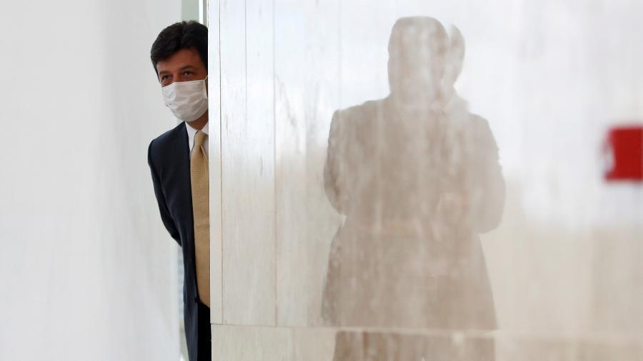 Luiz Henrique Mandetta critica o ministro da Saúde, Eduardo Pazuello, por tratar como uma jogada de marketing o rito da primeira vacinada do Brasil pelo governador de São Paulo, João Doria (PSDB) - Reprodução