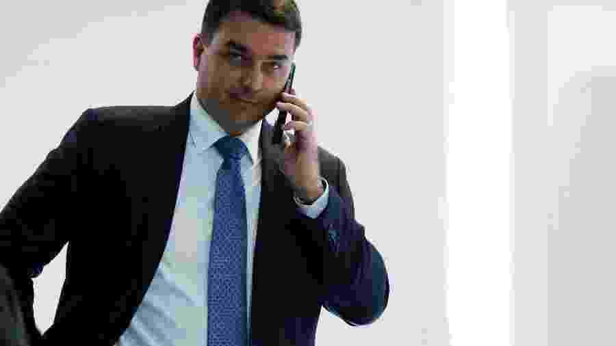 Senador negou que tenha feito pagamento em dinheiro vivo apontado pelo MP-RJ como suspeito -