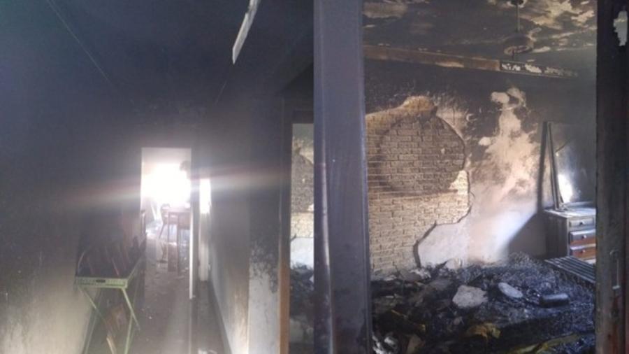 Casa incendiada na cidade de Ipaussu, interior de São Paulo - Corpo de Bombeiros/Divulgação
