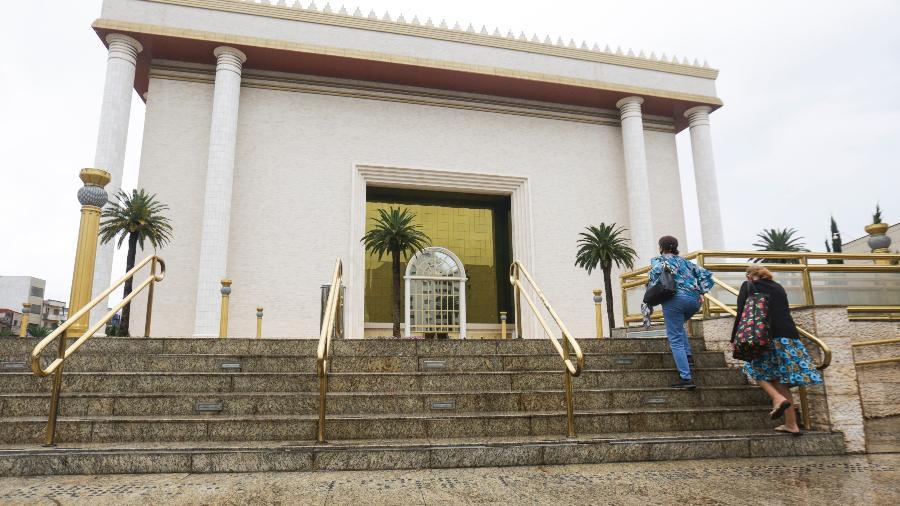 Movimentação em frente ao Templo do Salomão, na região do Brás, na cidade de São Paulo - Ricardo Matsukawa/UOL