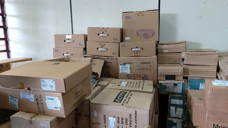Equipamentos comprados não foram instalados e ficam estocados na EMEF Paulo Gongalo dos Santos, zona sul de São Paulo - Arquivo pessoal