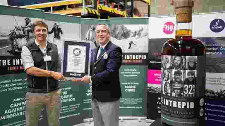 Empresas bateram recorde mundial da maior garrafa da bebida destilada - Divulgação - Divulgação