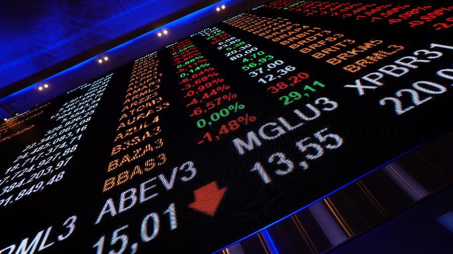 Dólar comercial começou a semana em alta de 0,38%, cotado a R$ 5,5371 na venda; É a maior cotação para a moeda em seis meses - Cris Fraga/Estadão Conteúdo