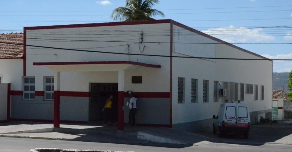5.dez.2015 - Unidade hospitalar Justino Alves Bezerra, em Pedra, ficou superlotada por conta de casos suspeitos de dengue