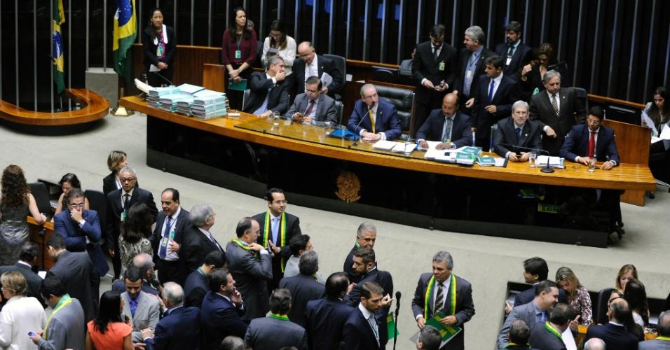 15.abr.2016 - A permanência da presidente Dilma Rousseff à frente do país começa a ser debatida, pelo plenário da Câmara dos Deputados, em Brasília