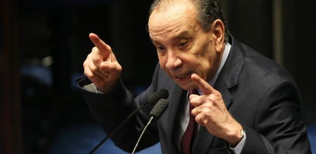 """Ministro de Temer, Aloysio Nunes (foto) disse que o PSDB vive um momento de """"histeria"""""""