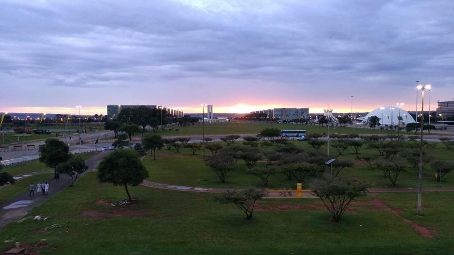 Amanhecer na Esplanada dos Ministérios, vista da Rodoviária de Brasília (1.jan.2019) - Dida Sampaio/Estadão Conteúdo