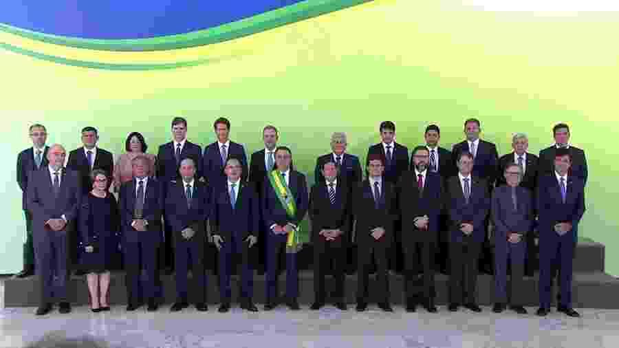 Ministério de Jair Bolsonaro posa para a foto oficial - Reprodução