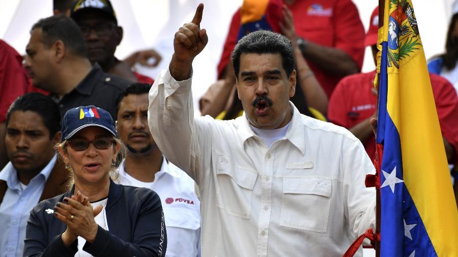 9.mar.2019 - Maduro discursa a apoiadores em Caracas em dia marcado por protestos contra e a favor do seu governo - Yuri Cortez/AFP