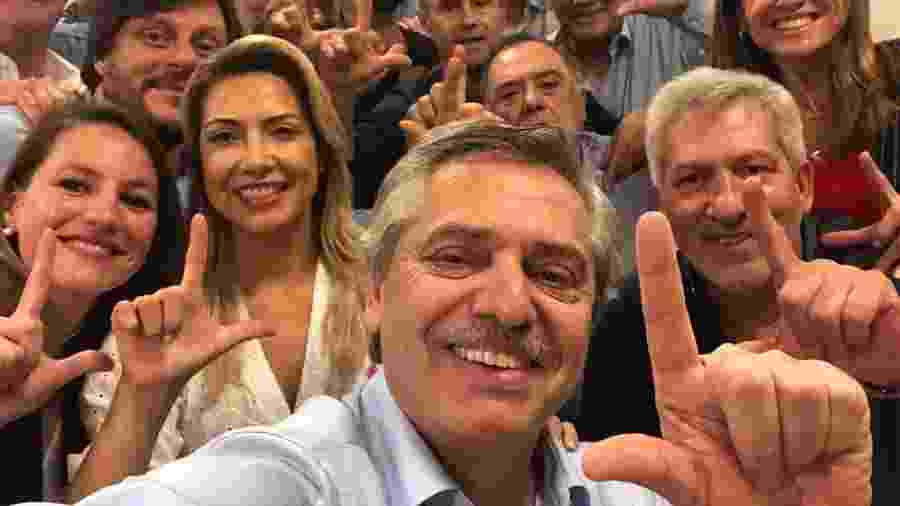 27.out.2019 - Em outubro, o então candidato Alberto Fernández publicou foto pedindo Lula livre - Reprodução/Twitter