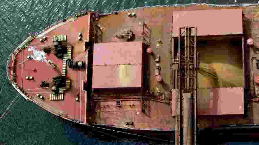 Navio carregado com soja para exportação no porto de Paranaguá (PR) - Reuters Photographer