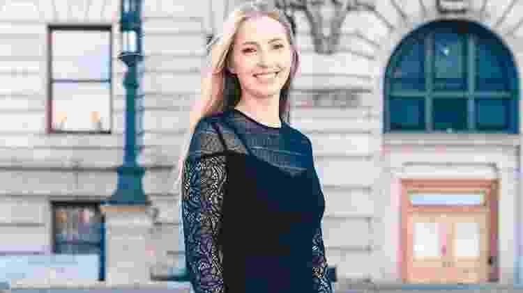 Simone Rohde no dia da formatura como tecnóloga em administração, em Massachussets - Arquivo Pessoal - Arquivo Pessoal
