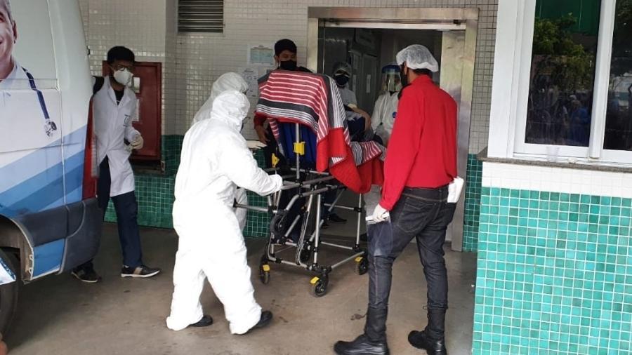Manaus tem mais de 500 pessoas na espera por um leito hospitalar em meio a severa crise de casos da covid-19 e falta de oxigênio - Carlos Madeiro/UOL