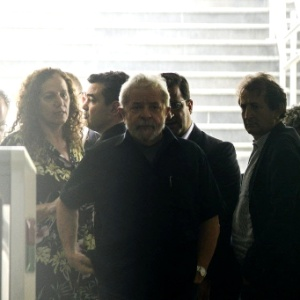 Operadora suspendeu grampos de Lula no dia em que a PF o levou para depor - Marcos Bizzotto/Raw Image