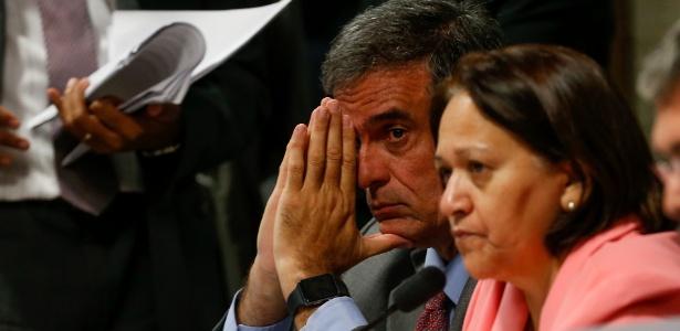 Advogado de Dilma Rousseff, José Eduardo Cardozo, acompanha comissão do impeachment - 13.jun.2016 - Pedro Ladeira/Folhapress