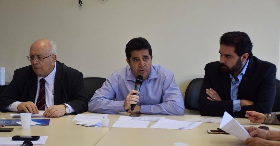 """6.ago.2016 - Durante reunião com os líderes do PDT, Sargento Rodrigues (ao centro) foi aprovado como candidato à Prefeitura de Belo Horizonte. Além disso, os membros do partido também definiram uma coligação com o PTB, que foi nomeada de """"Coligação BH Segura"""""""