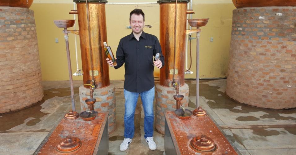 Leandro Dias é criador da Middas, cachaça com flocos de ouro