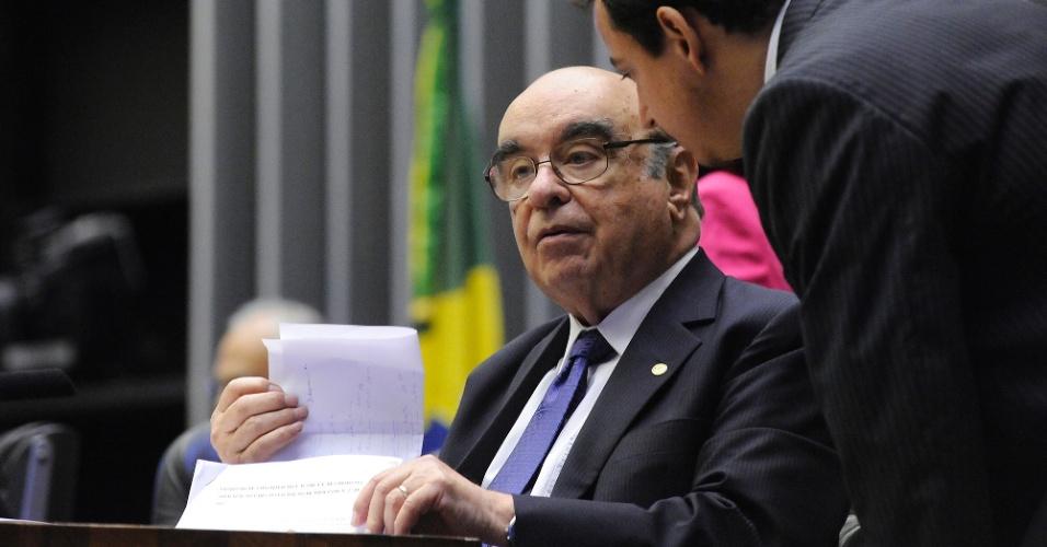 25.out.2017 - O deputado Bonifácio de Andrada (PSDB-MG) durante sessão para analisar denúncia contra o presidente Michel Temer